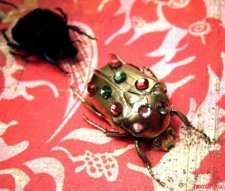 Уникальные украшения с насекомыми