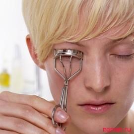 Как правильно пользоваться щипцами для ресниц