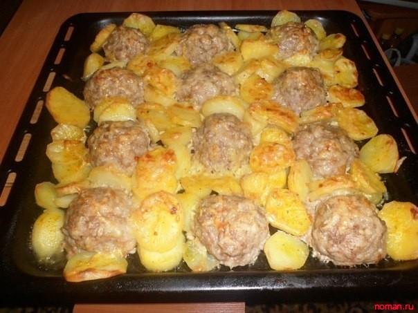 Мясные ежики с картошкой