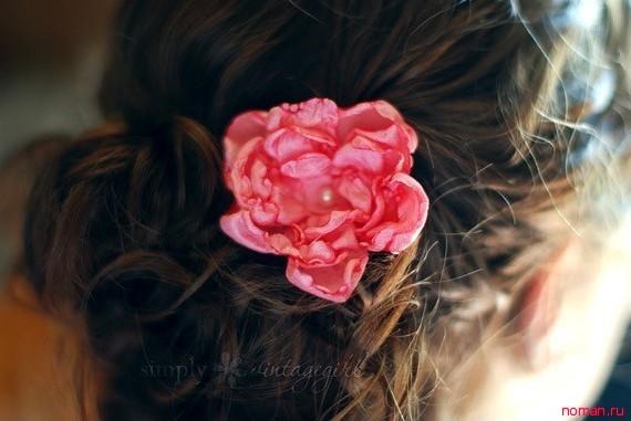 Цветок в волосы
