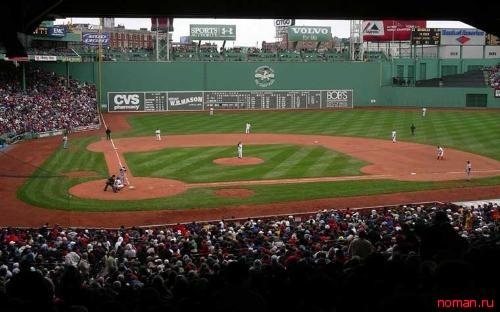 действующий бейсбольный стадион