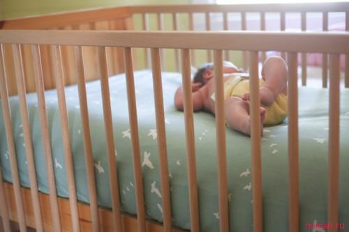 Простыня на резинке в детскую кровать